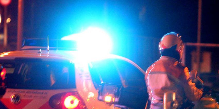 Drie verkeersregelaars gewond nadat auto drie keer op ze inrijdt
