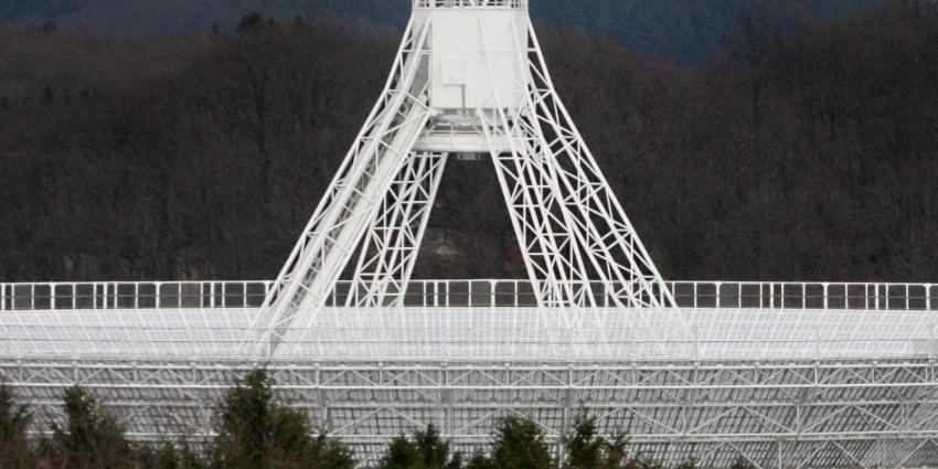 Snelste supercomputer Nederland speurt in Drenthe naar ruimteflitsen