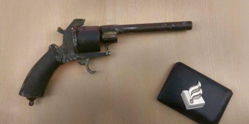 Examenstunt met vuurwapen zet politie op scherp