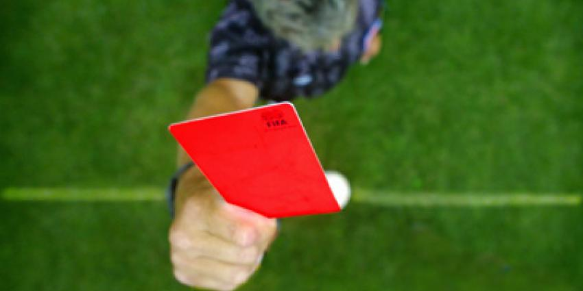 Foto van rode kaart voetbal   Archief EHF