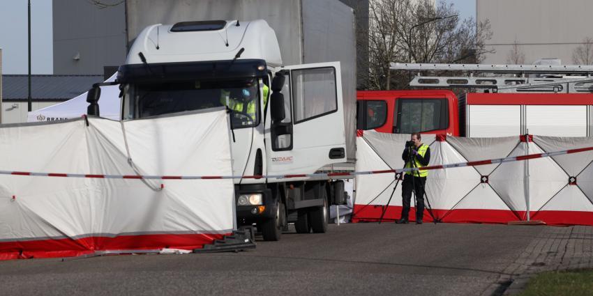 Politie doet onderzoek op plaats ongeval
