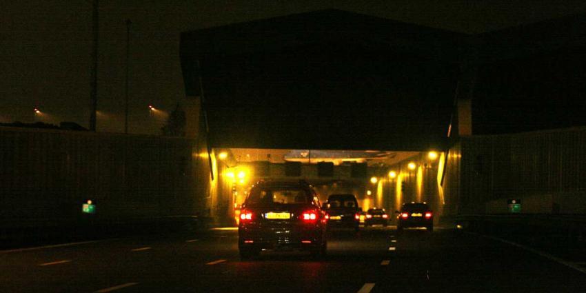 Door brand geteisterde Schipholtunnel (A4) donderdagnacht weer dicht