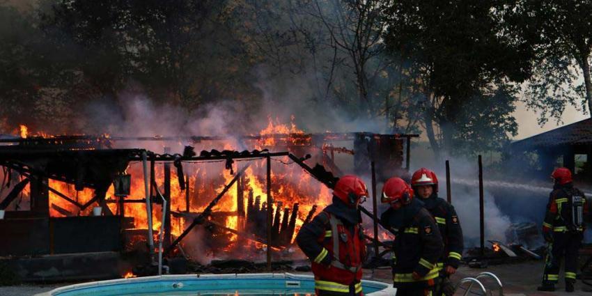 Schuur brand af in Drouwenermond