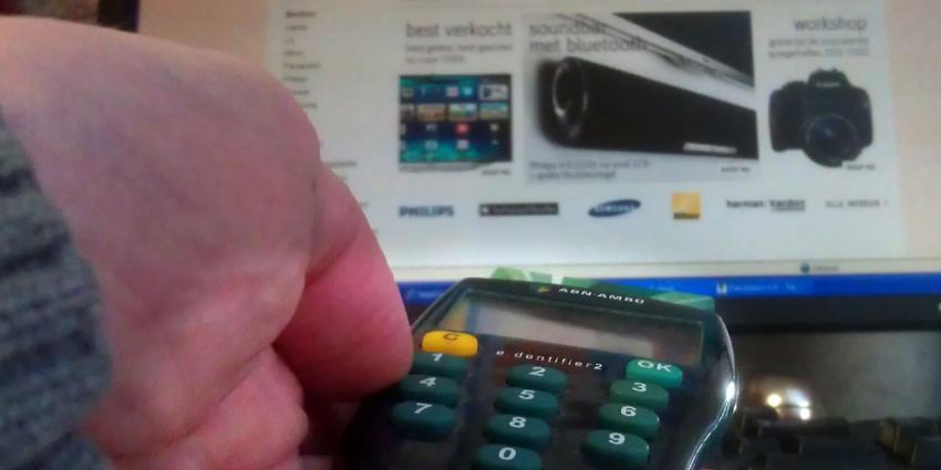 Foto van online shoppen en betalen | Archief EHF