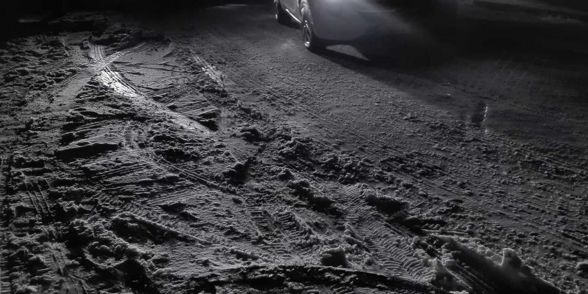 sneeuw-donker-auto