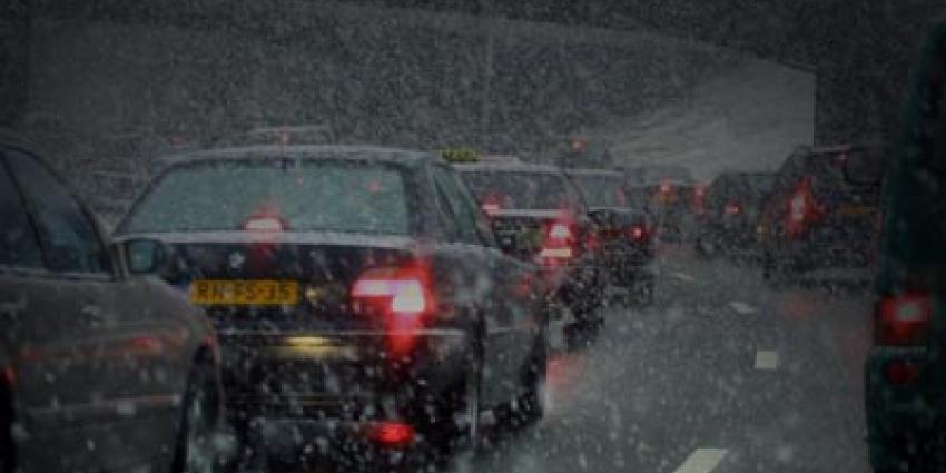 Foto van file sneeuw snelweg   Archief EHF
