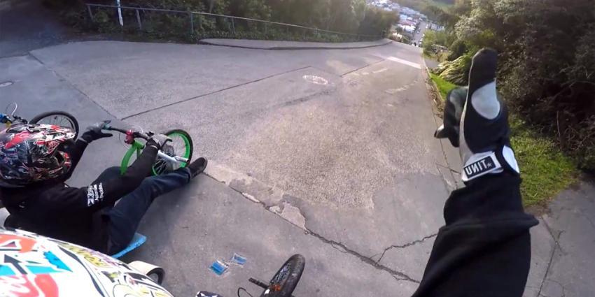Met een driewieler de steilste straat ter wereld afrijden