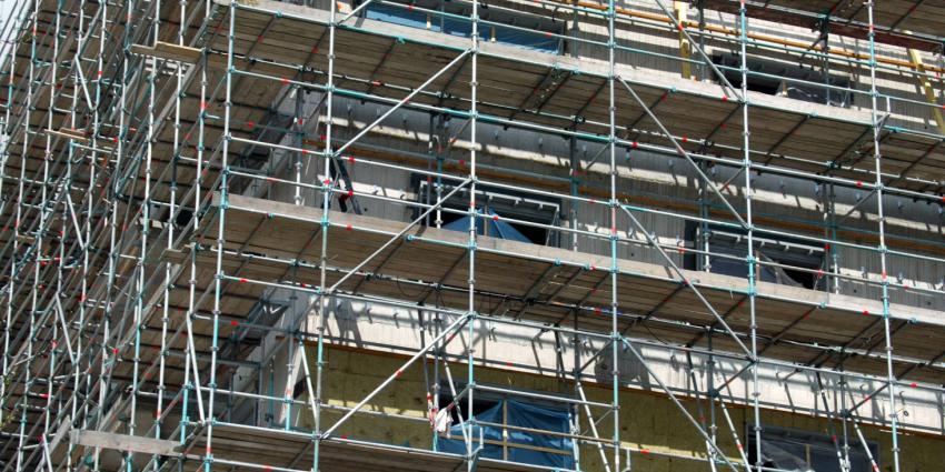 FNV: BIS volhardt in onderbetaling steigerbouwers