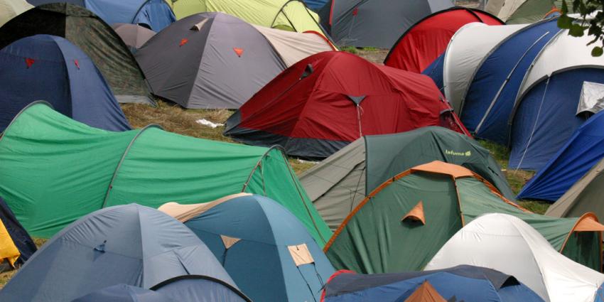 Zwarte Cross staakt de verkoop van campingkaarten om geschil met boer