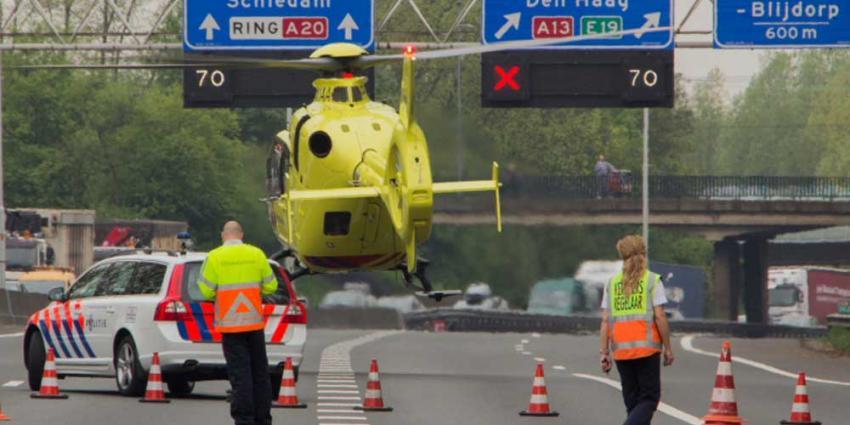 Foto van traumaheli op snelweg | Flashphoto | www.flashphoto.nl