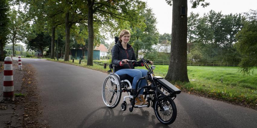 Judith op haar fiets