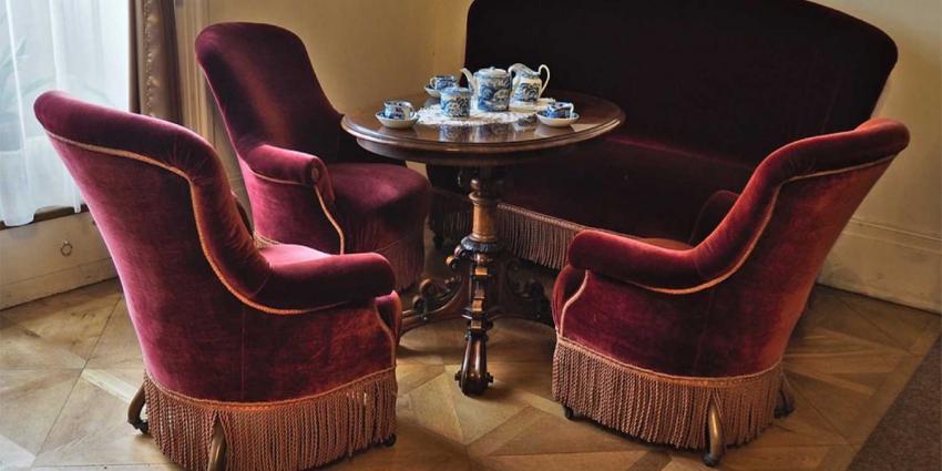 velvet-bank-sofa
