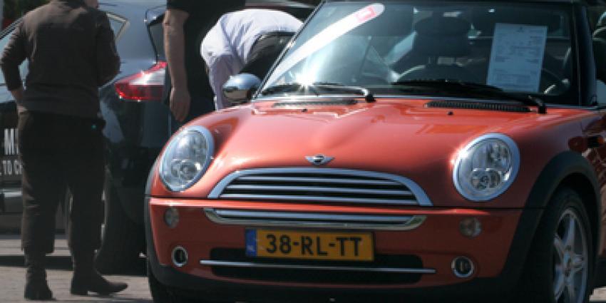 Foto van verkoper auto occasion | Archief EHF