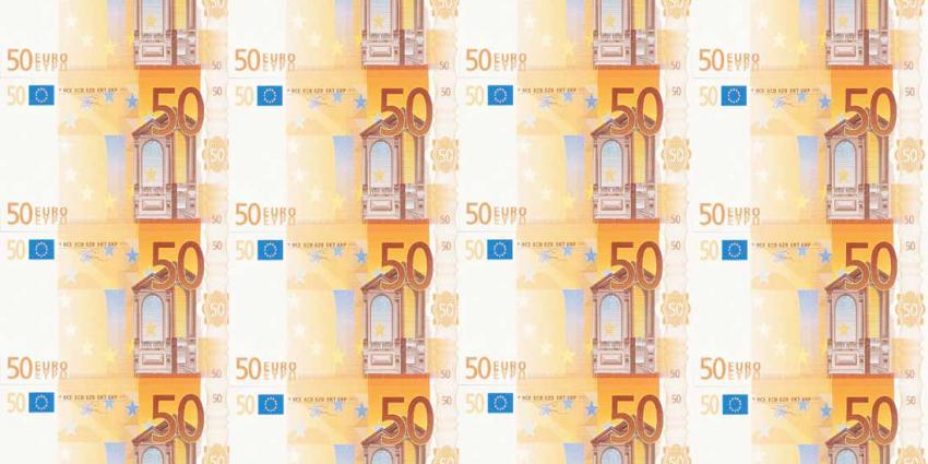 Man (18) heeft voor 7.000,- euro aan vals geld te koop in auto liggen