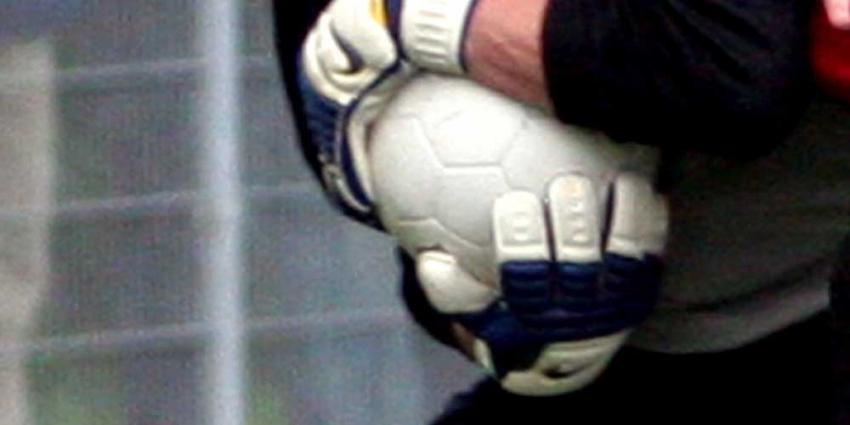 voetbal-handschoen-keeper