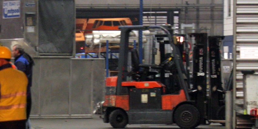 Marechaussee verijdelt vrachtdiefstal van 2 miljoen op Schiphol