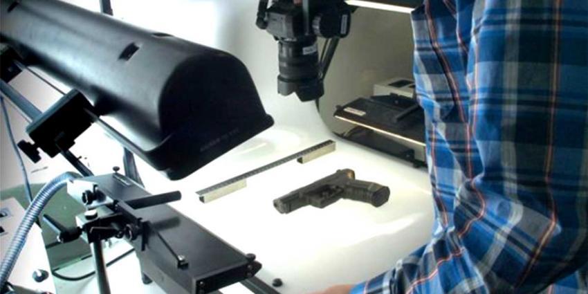 Tiener denkt nep-vuurwapen in te leveren bij politie maar deze blijkt echt