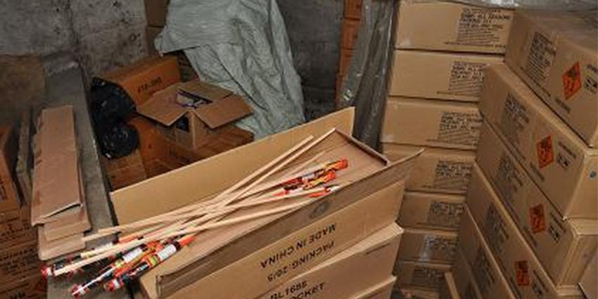 Grote partij van 6000 kilo illegaal vuurwerk in beslag genomen