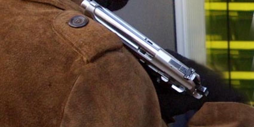 Foto van man met vuurwapen | Archief EHF