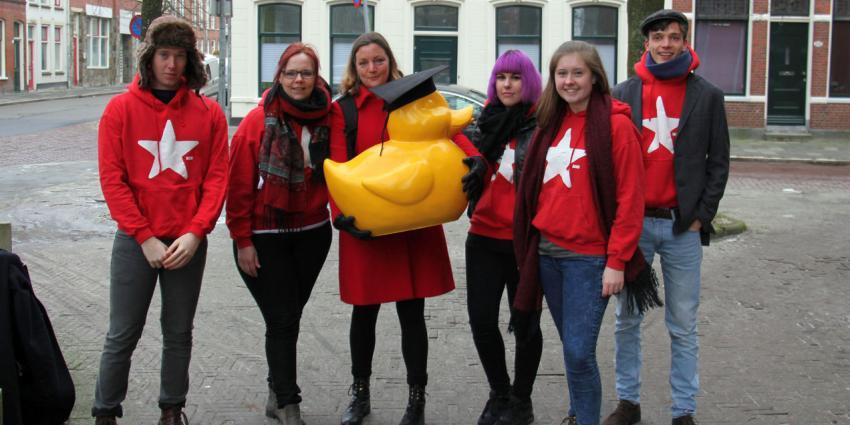 WC-eend bij Heymanshuis als protest tegen WC eend-wetenschap