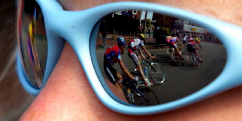 Tom Dumoulin wint op paar duizendsten van seconde Proloog Giro