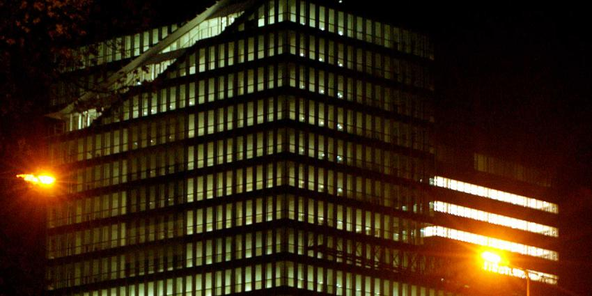 zuidas-kantoor-avond-verlichting