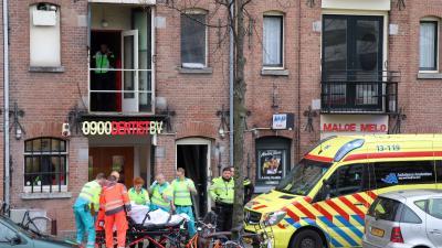 Man gewond bij schietclub in Amsterdam