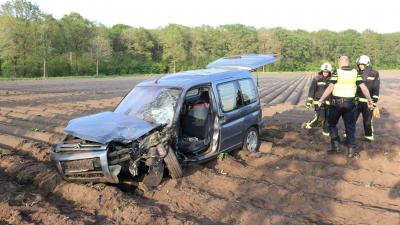 Foto van beschadigde wagen
