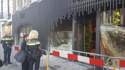 Ramkraak op kledingwinkel in Amsterdam