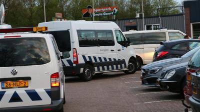 Foto van Belastingdienst legt beslag op inboedel WKE   Van Oost Media   www.vanoostmedia.nl