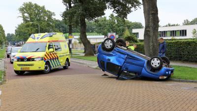 aanrijding, ambulance, auto, op, de, kop