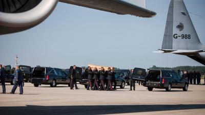 Lichamen aangekomen ramp MH17