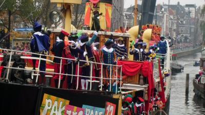 Foto van intocht Sinterklaas in Groningen | Bert van den Berg