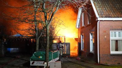 brandweer weet overslag te voorkomen