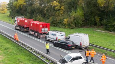 Weg geblokkeerd door ongeval