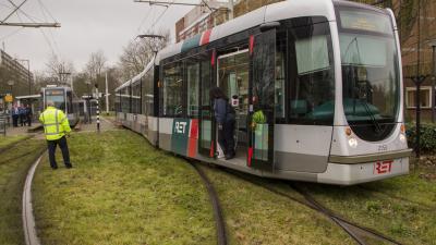 Foto van deel tram gaat verkeerde kant op   Flashphoto   www.flashphoto.nl