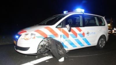 Foto van politieauto op snelweg | Archief FBF.nl
