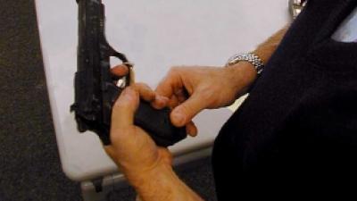 Foto van man met geweer | Archief FBF.nl