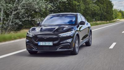 Ford Mustang Mach-E biedt onvervalst Ford rijplezier