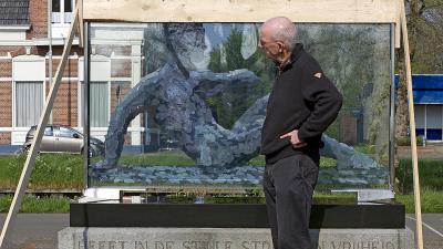 Foto van nieuw beeld oorlogsmonument Wildervank   Stichting VIP   www.parkstadveendam.nl