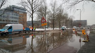Waterleiding gesprongen in Amsterdam