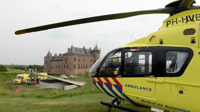 Traumahelikopter bij Muiderslot | Fotopersbureau Groenenveld | www.pers-fotograaf.eu