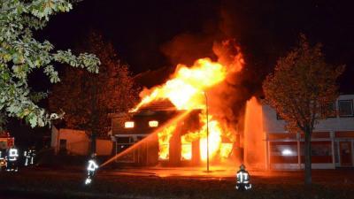 Hond gered bij grote brand in Nieuwe Pekela