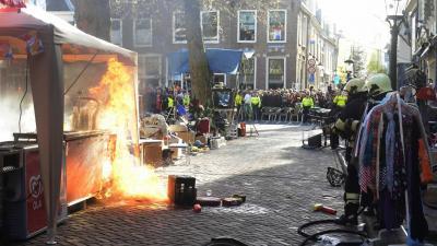 foto van brand op vrijmarkt | Aneo Koning | www.fotokoning.nl