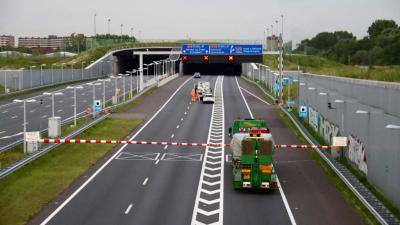 Nachtafsluitingen Ketheltunnel A4 voor hitteproeven beton -  Schiedam / Vlaardingen