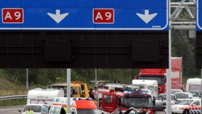A9 dicht na ongeval met meerdere voertuigen