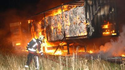 Foto van brandende oplegger | Henk Brunink