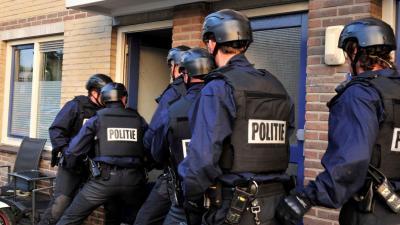 foto inval politie | Politie