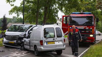 Flinke ravage na verkeersongeval Son en Breugel