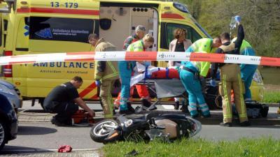 Ajax speler Dijks raakt betrokken bij ongeval in Amstelveen